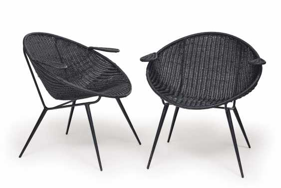 A Pair Of Armchairs. France, around 1950 - photo 1