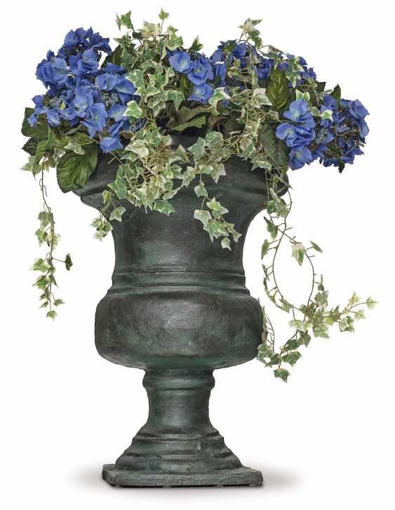 A Pair Of Garden Vases. France, 18. Century - photo 1