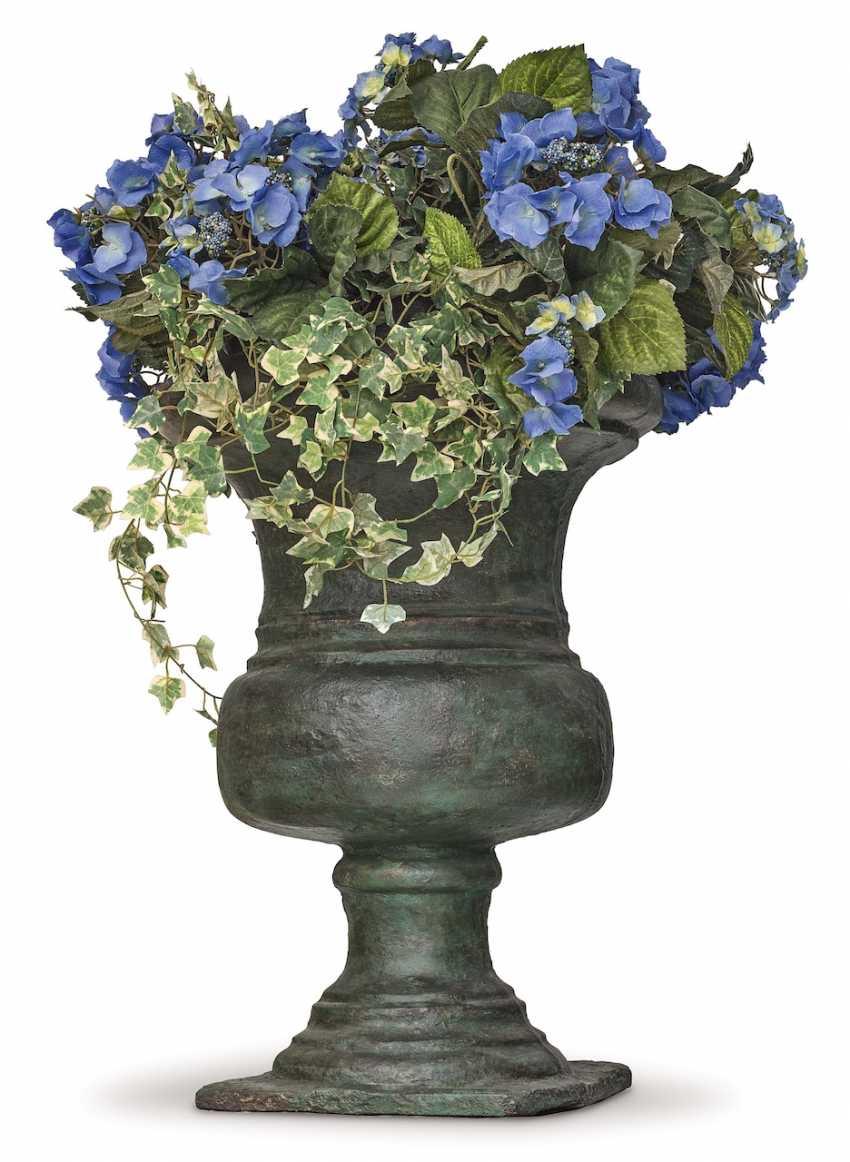 A Pair Of Garden Vases. France, 18. Century - photo 2