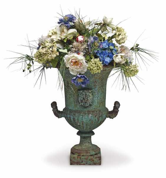 Garden vase. France, 19. Century - photo 1