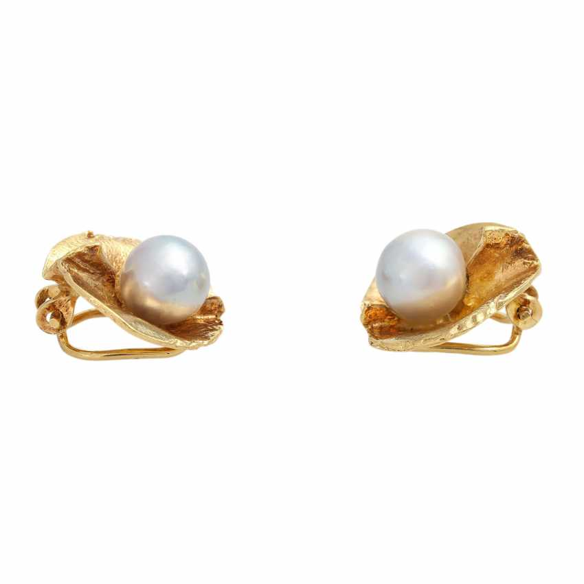 Pair of clip earrings with 2 Akoya cultured pearls - photo 2