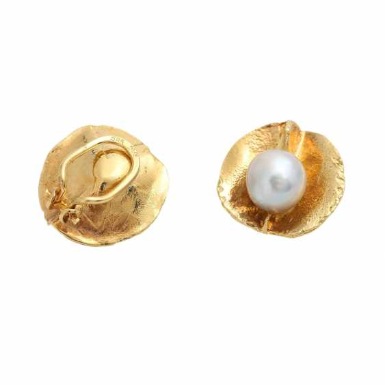 Pair of clip earrings with 2 Akoya cultured pearls - photo 3