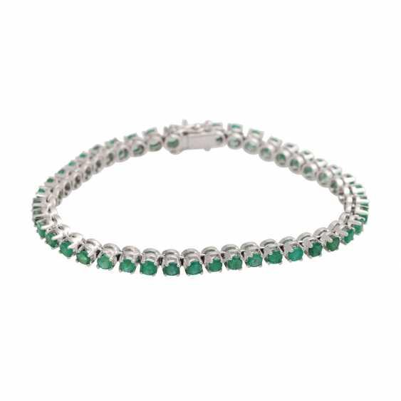 Rivièrearmband with 43 emeralds, - photo 1