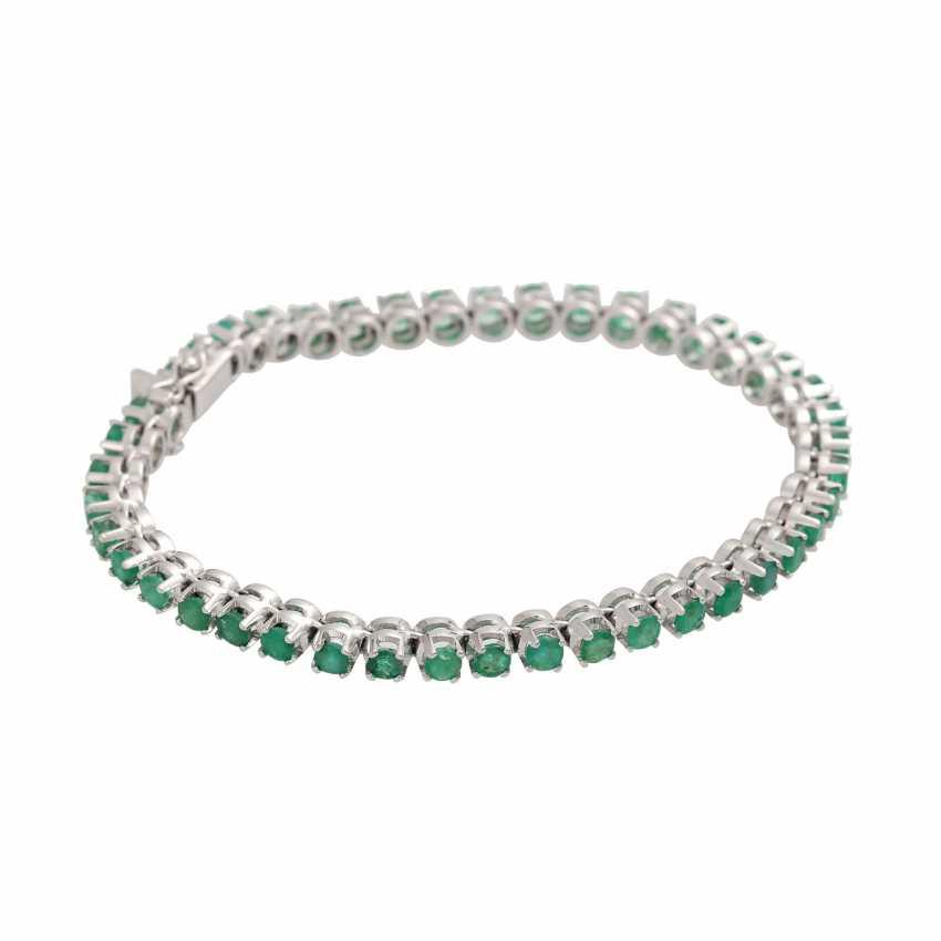 Rivièrearmband with 43 emeralds, - photo 2