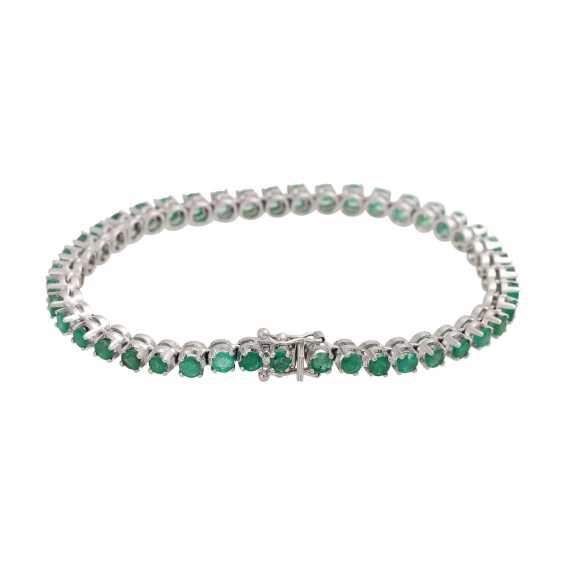 Rivièrearmband with 43 emeralds, - photo 3