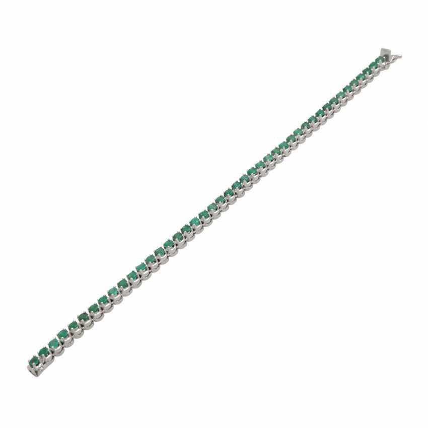 Rivièrearmband with 43 emeralds, - photo 4