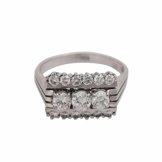 Ring with 15 brilliant-cut diamonds, - photo 1