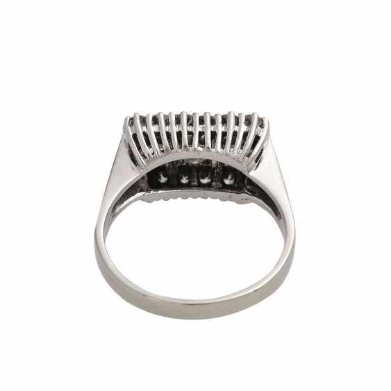 Ring with 15 brilliant-cut diamonds, - photo 4