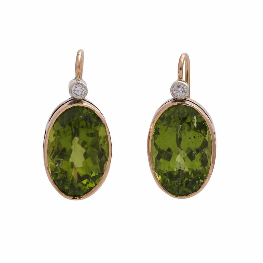 Earrings with 1 diamond, together approx. 0,1 ct and Peridot, - photo 1