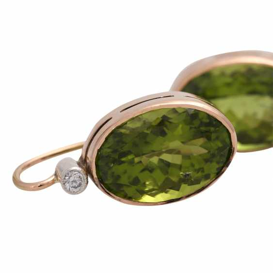 Earrings with 1 diamond, together approx. 0,1 ct and Peridot, - photo 5