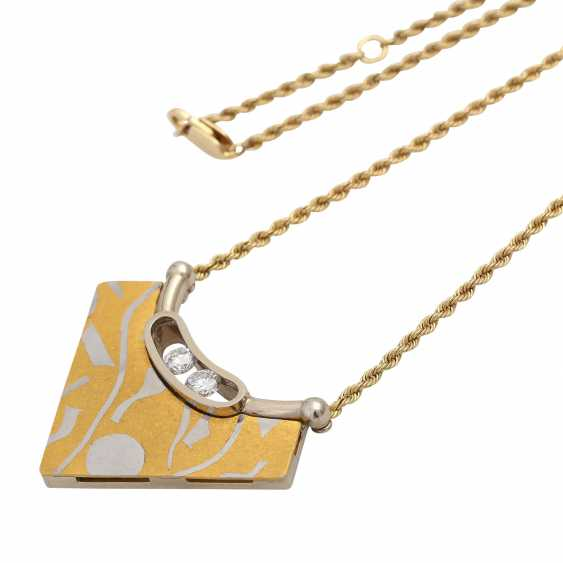Chain and pendant with diamonds - photo 4
