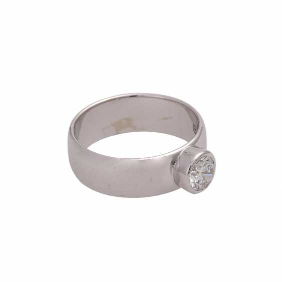 Solitaire ring with brilliant, approximately 0.6 ct, HFW FW (E-F)/VS, - photo 2