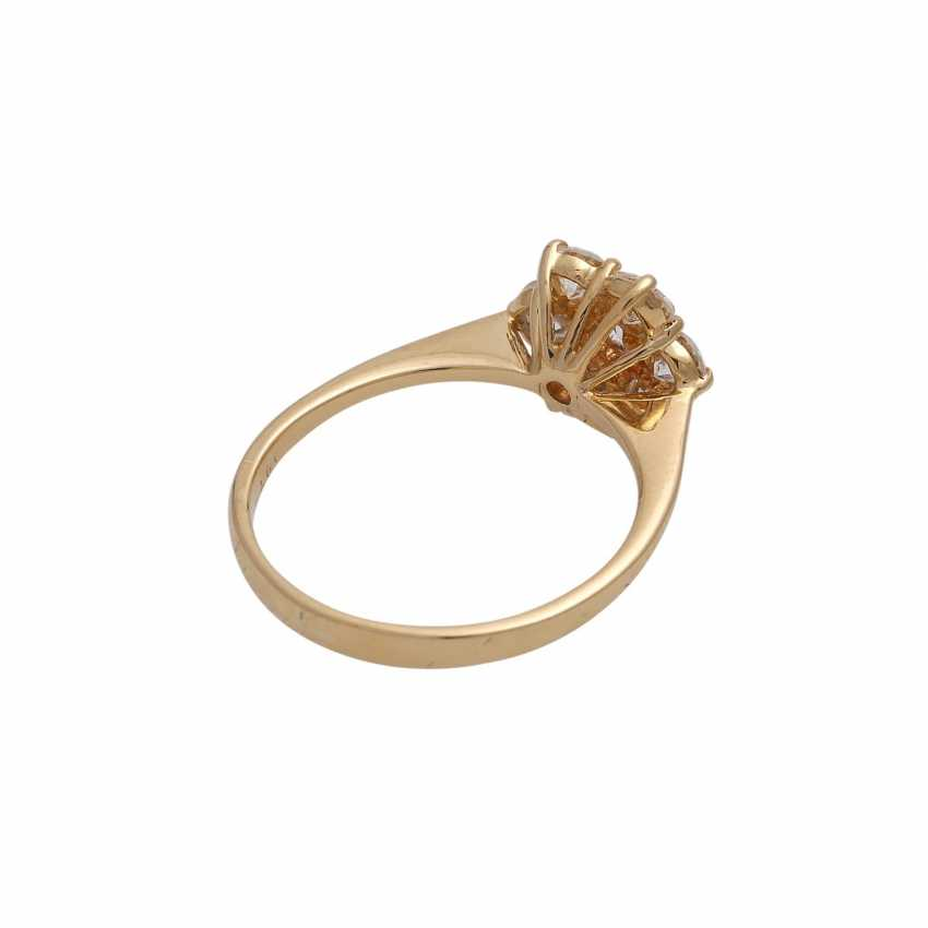 Ring with 7 brilliant-cut diamonds, together approx 0,97 ct (punz.), - photo 3