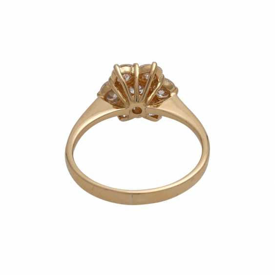 Ring with 7 brilliant-cut diamonds, together approx 0,97 ct (punz.), - photo 4