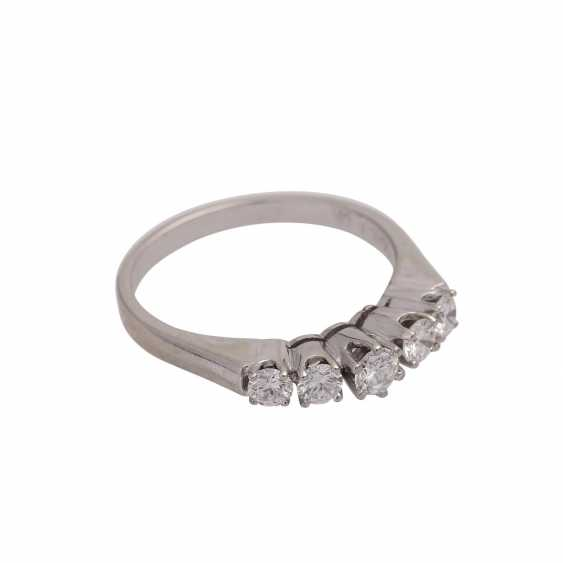 Ring with 5 diamonds, together approx 0.6 ct (punz.), - photo 2