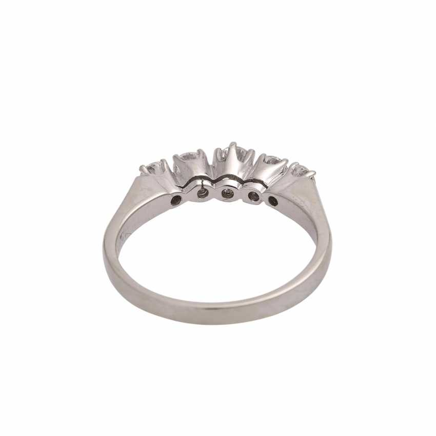 Ring with 5 diamonds, together approx 0.6 ct (punz.), - photo 4