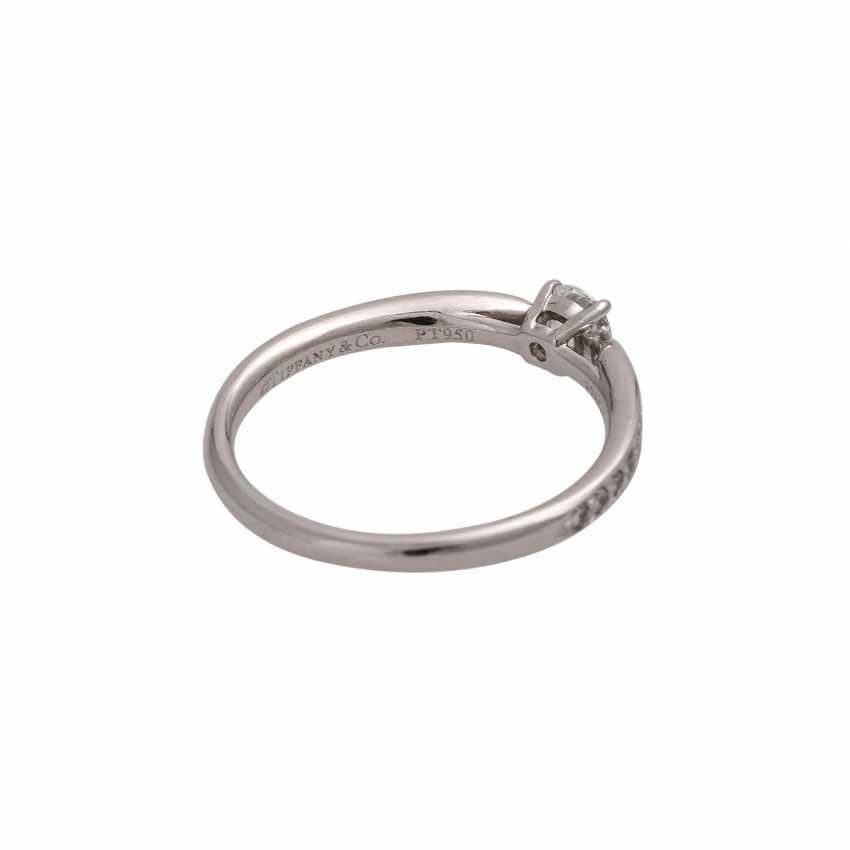TIFFANY & CO Ring mit Brillant, ca. 0,23 ct, FW (F)/VVS1 - photo 3