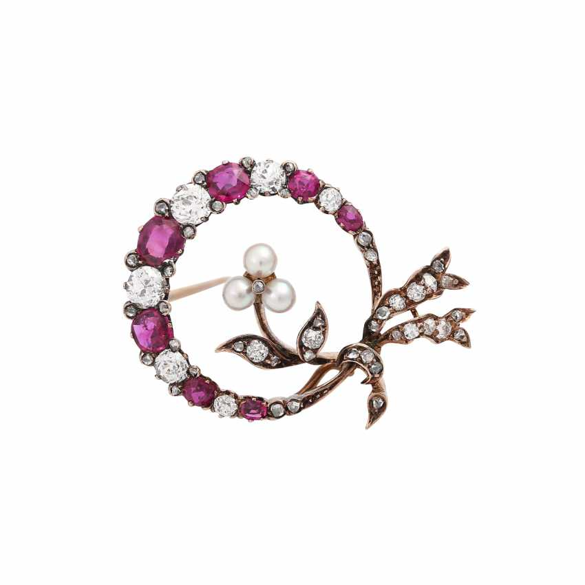 Brooch with fine rubies, diamonds, together approx 1.1 ct, - photo 1