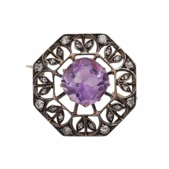 Brooch with Amethyst, approx. 3 ct and CL. Diamonds, - photo 1