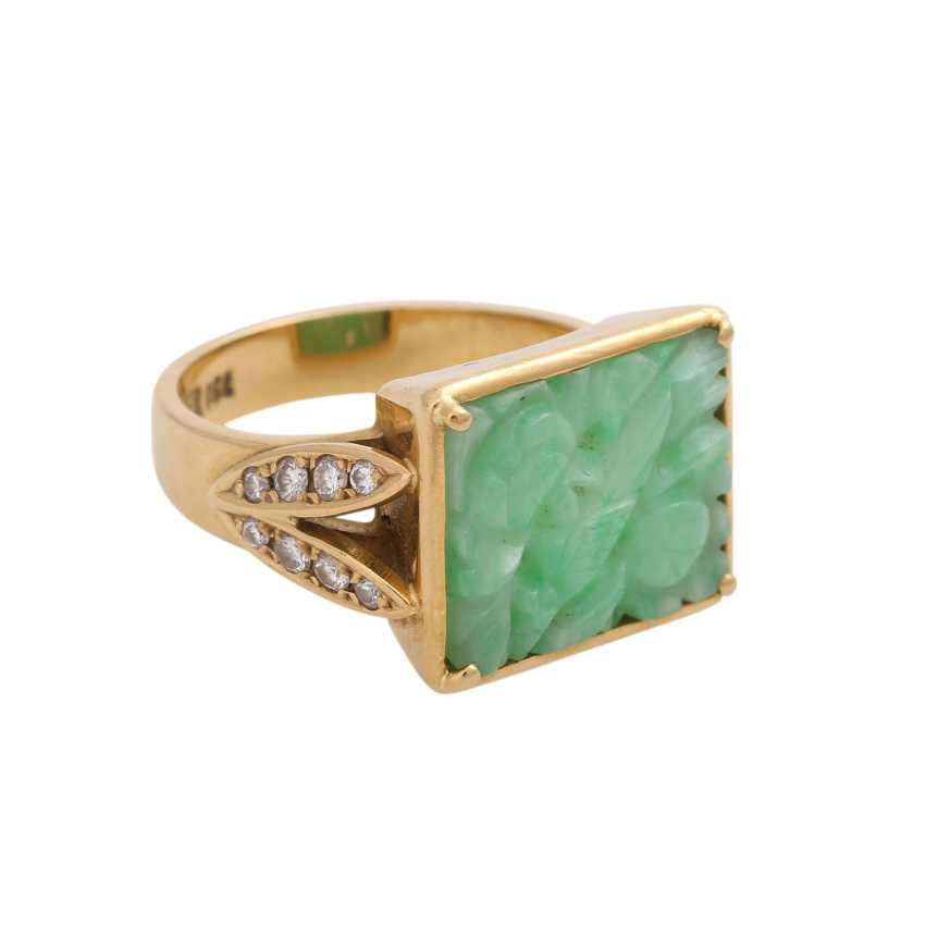 Ring, fine Apple green Jadeplatte, rectangular, engraved, - photo 2