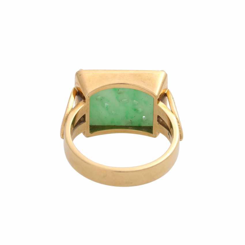 Ring, fine Apple green Jadeplatte, rectangular, engraved, - photo 4
