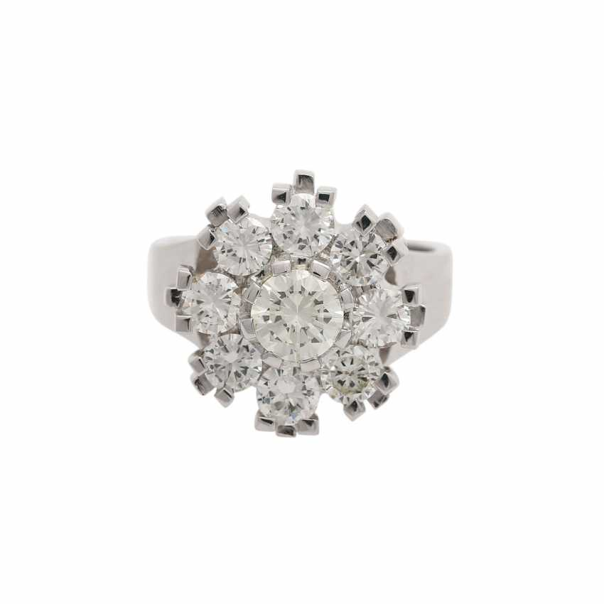 Ring with 9 brilliant-cut diamonds, together approx. 2,1 ct, WHITE-GW/VS, - photo 1