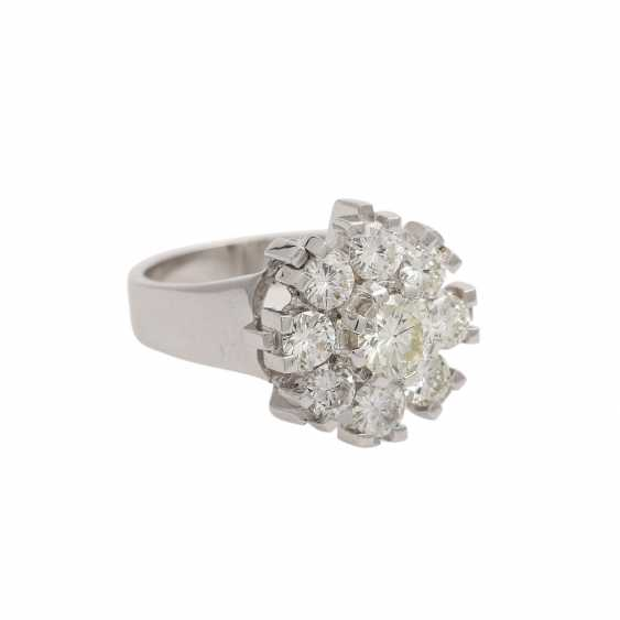 Ring with 9 brilliant-cut diamonds, together approx. 2,1 ct, WHITE-GW/VS, - photo 2