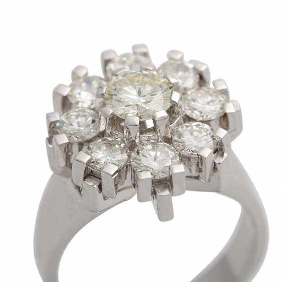 Ring with 9 brilliant-cut diamonds, together approx. 2,1 ct, WHITE-GW/VS, - photo 5