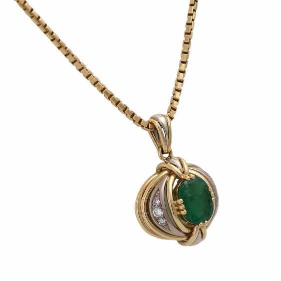 Emerald pendant with diamond trim - photo 2