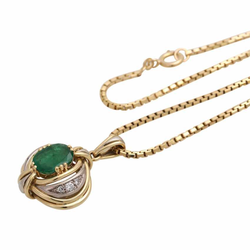 Emerald pendant with diamond trim - photo 4