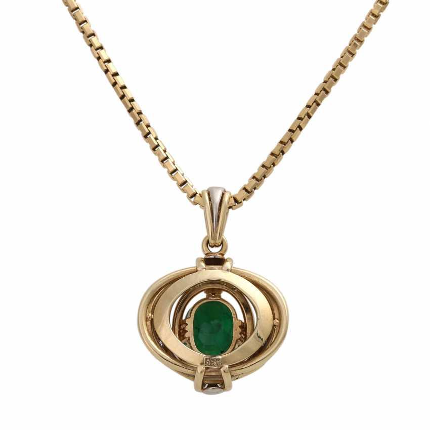 Emerald pendant with diamond trim - photo 5
