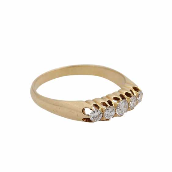 Ring with 5 diamonds, together approx 0.4 ct, - photo 2