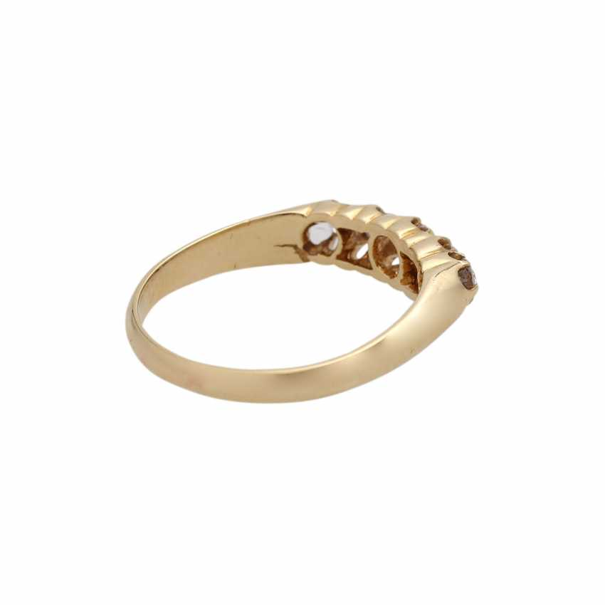 Ring with 5 diamonds, together approx 0.4 ct, - photo 3