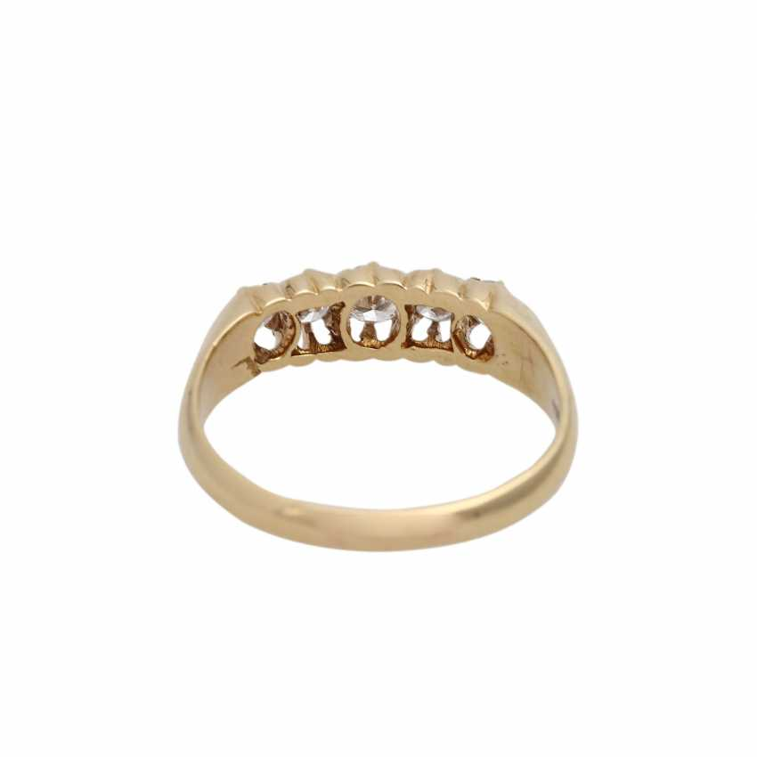 Ring with 5 diamonds, together approx 0.4 ct, - photo 4