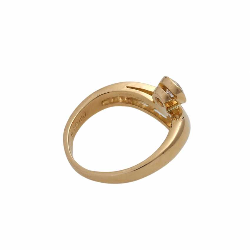Ring with 1 diamond and 10 diamonds in the Baguette/trapeze cut, - photo 3