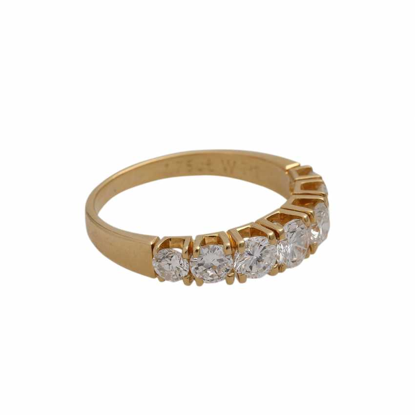 Ring with 7 brilliant-cut diamonds, together approx. 1,75 ct (engraved), - photo 2