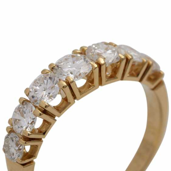 Ring with 7 brilliant-cut diamonds, together approx. 1,75 ct (engraved), - photo 5