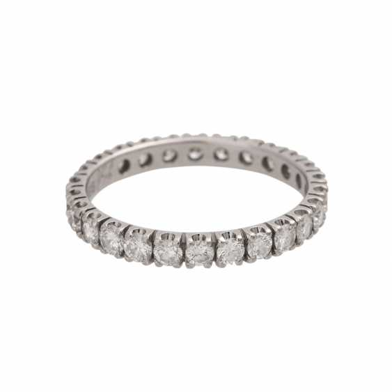 Eternity ring with 26 brilliant-cut diamonds - photo 3