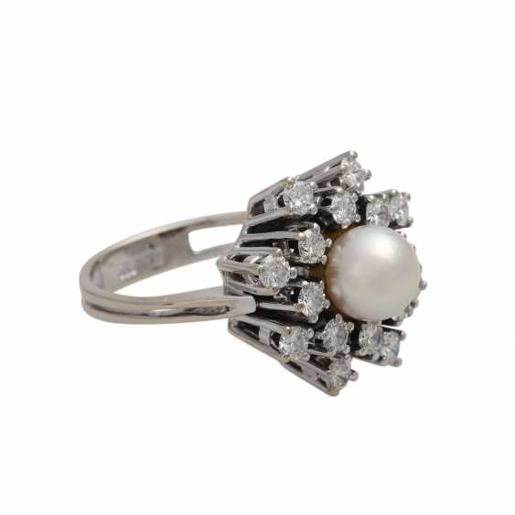 Ring with pearl and diamonds together approx 0.89 ct - photo 2