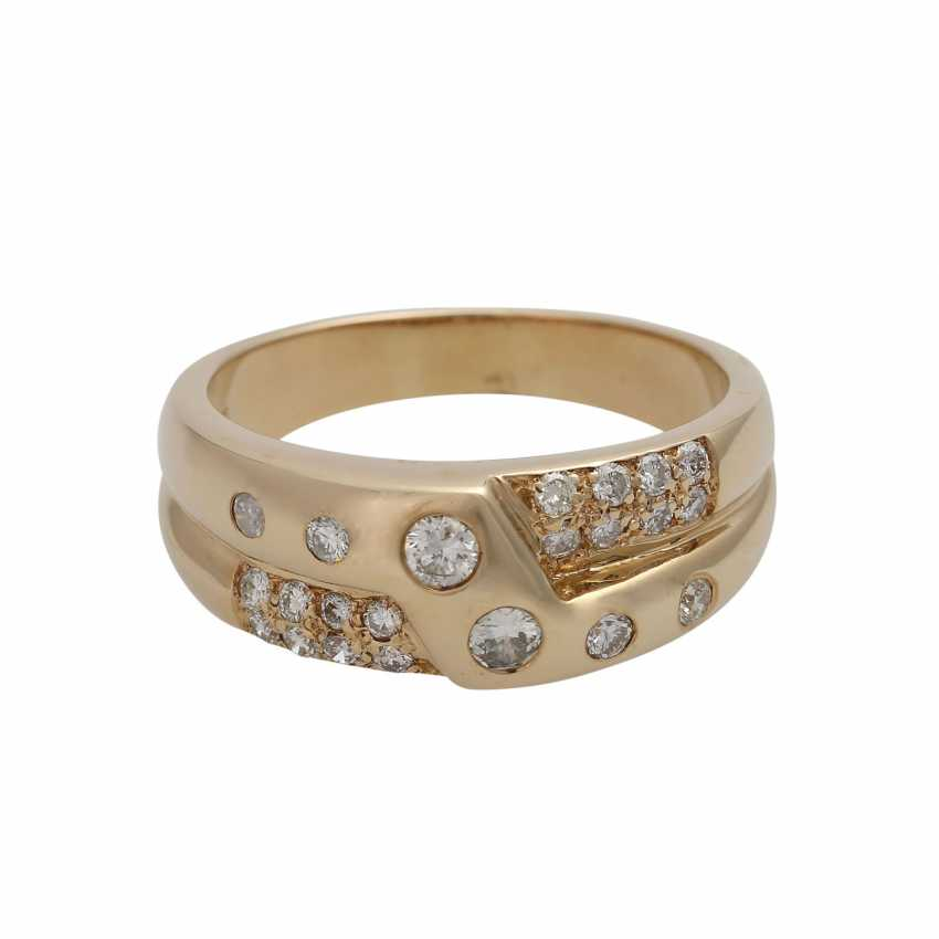 Ring with brilliant-cut diamonds, together approx. 0,65 ct - photo 1