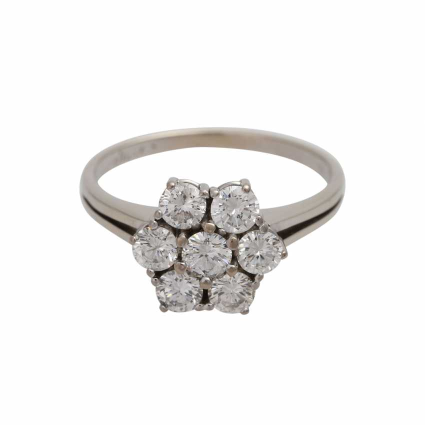 Ring with brilliant-cut diamonds together approximately 1.1 ct, - photo 1