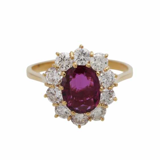 Ring with ruby about 1.2 ct and brilliant-cut diamonds - photo 1