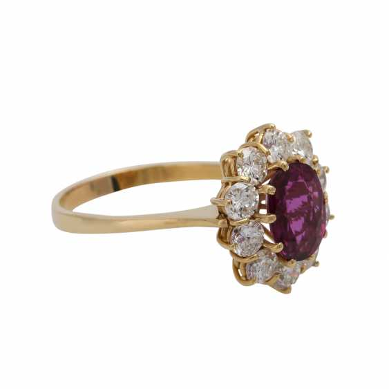 Ring with ruby about 1.2 ct and brilliant-cut diamonds - photo 2