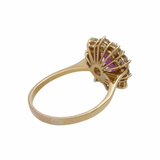 Ring with ruby about 1.2 ct and brilliant-cut diamonds - photo 3
