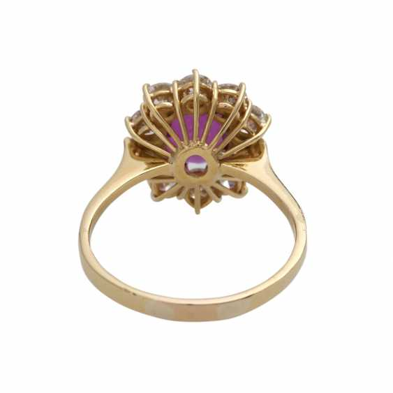 Ring with ruby about 1.2 ct and brilliant-cut diamonds - photo 4