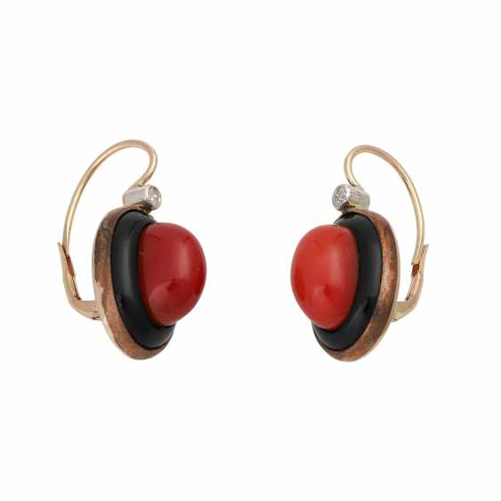 Pair of earrings with precious coral - photo 2