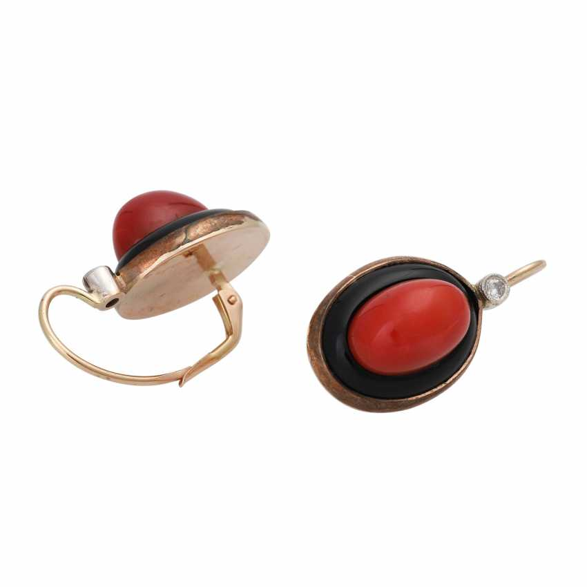 Pair of earrings with precious coral - photo 3