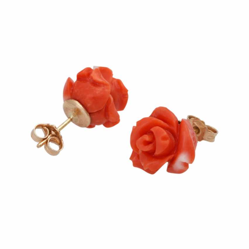 Pair of stud earrings made of precious coral, - photo 3