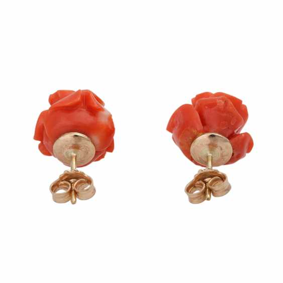 Pair of stud earrings made of precious coral, - photo 4