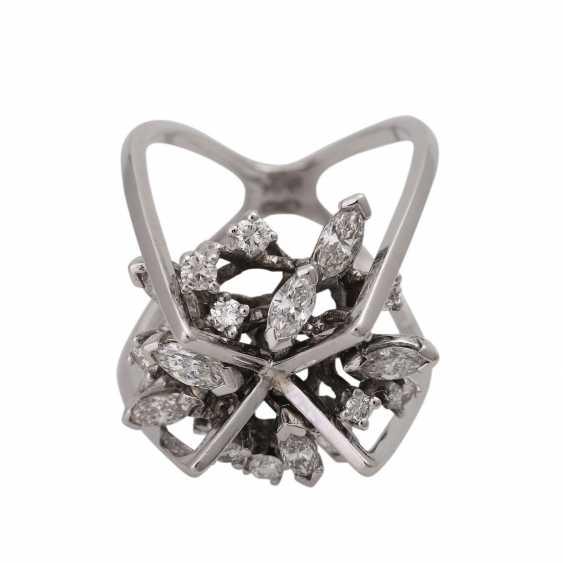 Design ring with diamonds - photo 1